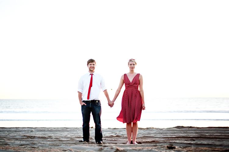 beach engagement in santa monica by seattle wedding photographer meloidia